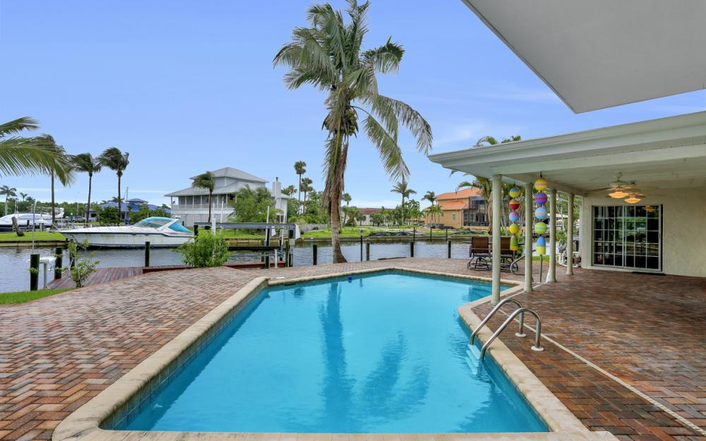 109 Montrose Dr, Fort Myers - Home For Sale 313352212