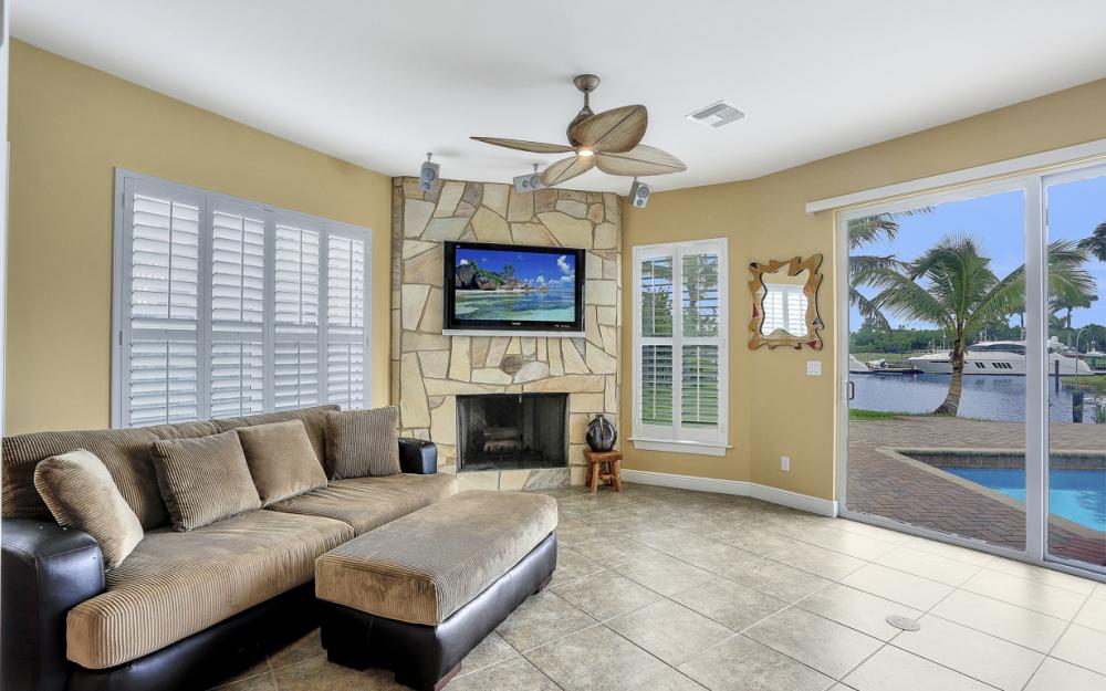 109 Montrose Dr, Fort Myers - Home For Sale 1135072322