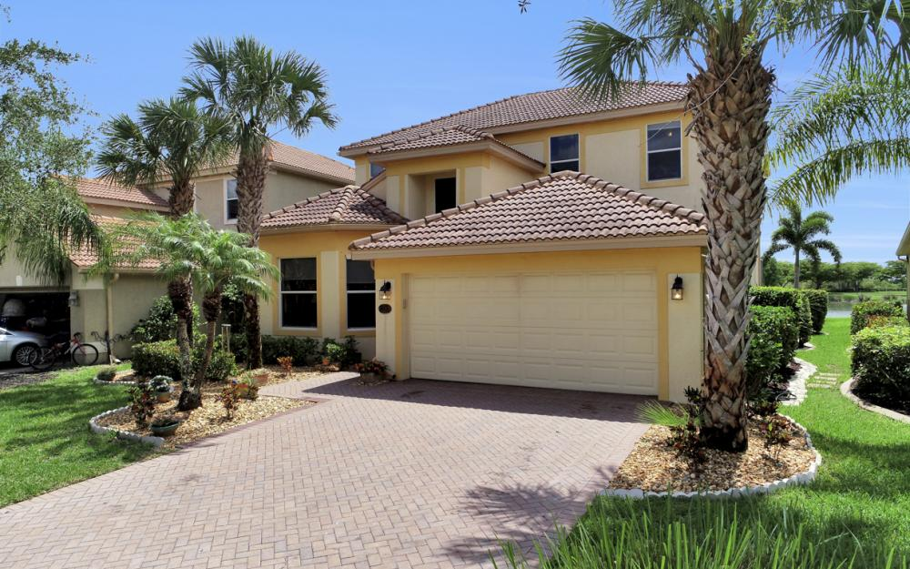 20467 Ardore Ln, Estero - Home For Sale 710785907