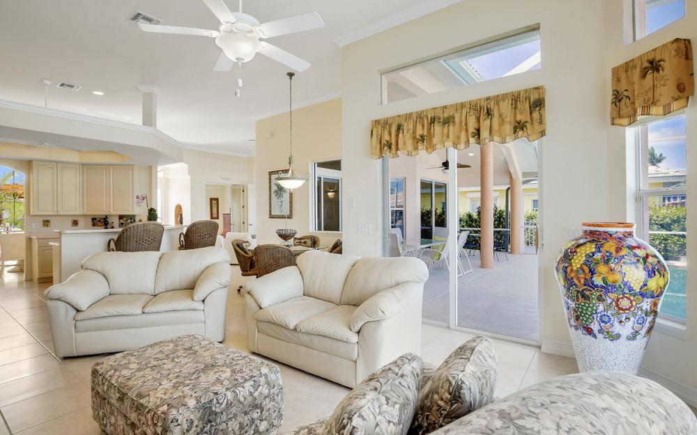258 Bass Ct, Marco Island - Home For Sale 665469138