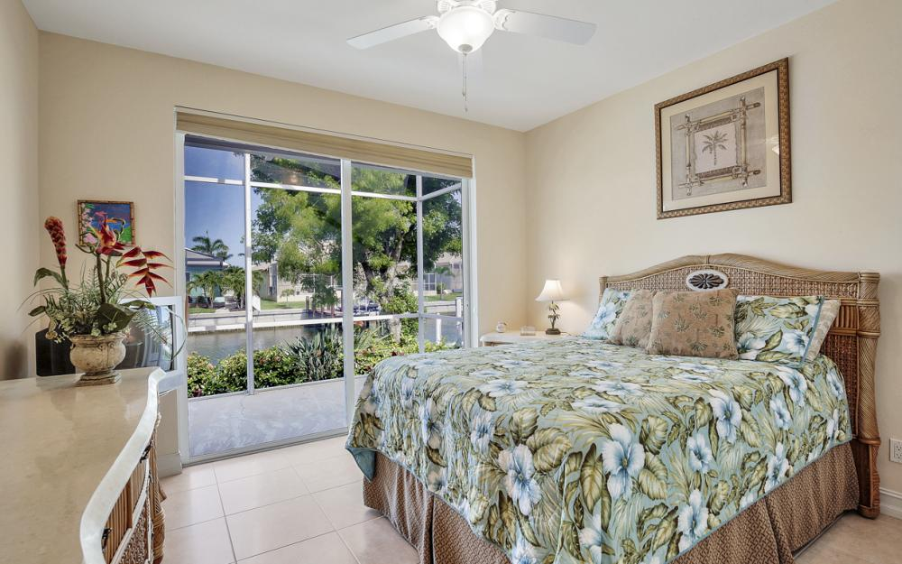 258 Bass Ct, Marco Island - Home For Sale 1662455419