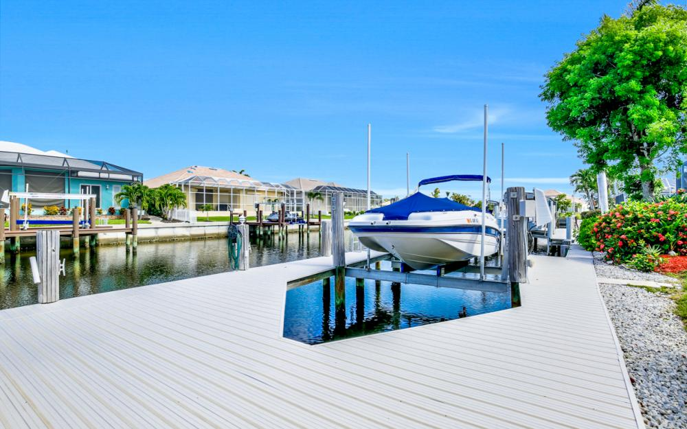 258 Bass Ct, Marco Island - Home For Sale 328440291