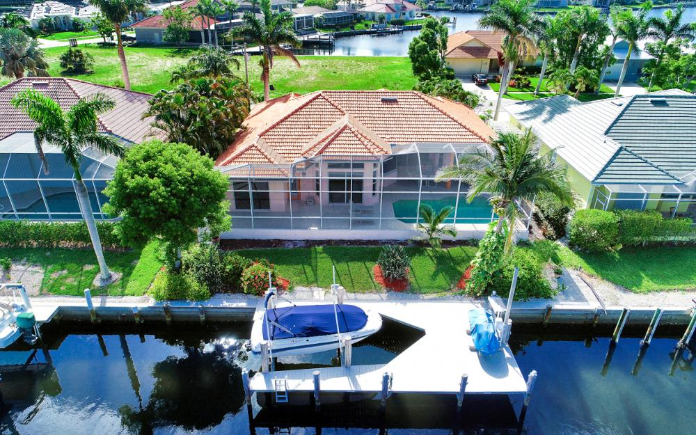 258 Bass Ct, Marco Island - Home For Sale 825710296
