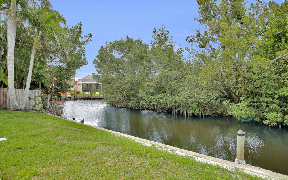 12743 Brewster Dr, Fort Myers - Home For Sale 2093059480