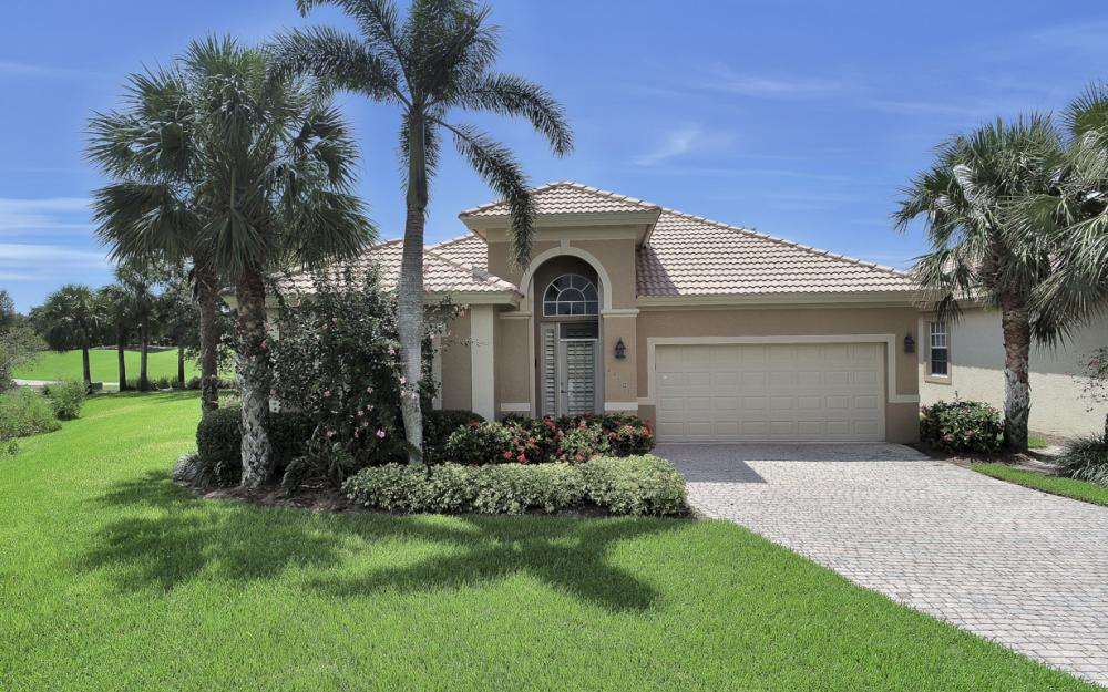 23101 Oakglen Ln, Bonita Springs - Home For Sale 1049780272