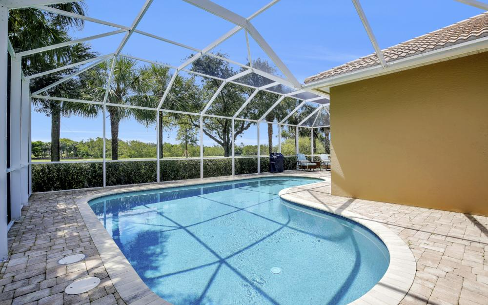 23101 Oakglen Ln, Bonita Springs - Home For Sale 980884168