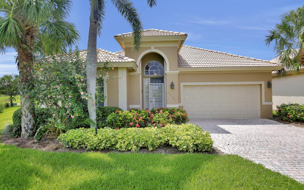 23101 Oakglen Ln, Bonita Springs - Home For Sale 1033306675