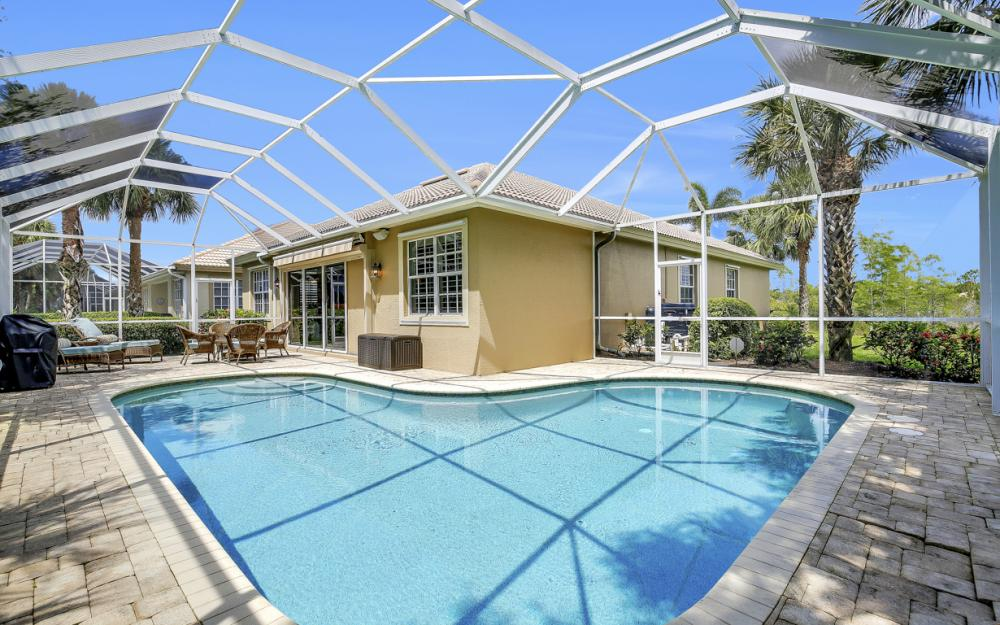 23101 Oakglen Ln, Bonita Springs - Home For Sale 559641037