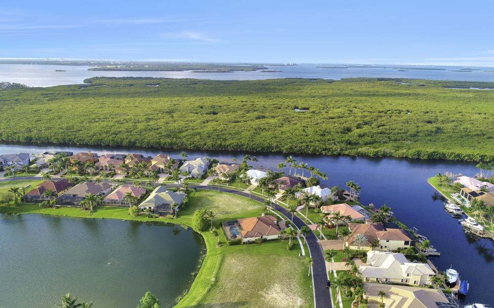1918 Harbour Cir, Cape Coral - Lot For Sale 1093827688