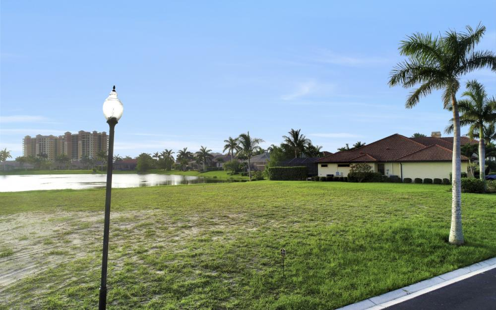 1918 Harbour Cir, Cape Coral - Lot For Sale 1844808417