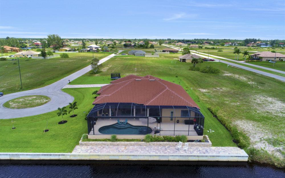 4638 NW 32nd St, Cape Coral - Home For Sale 622774528
