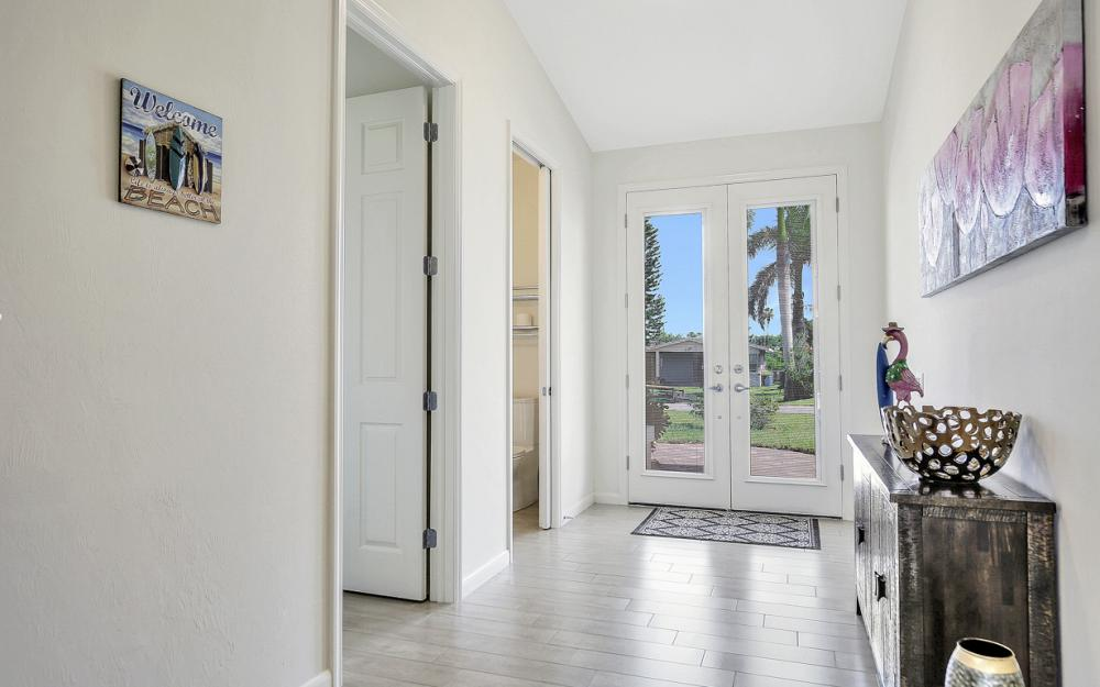 658 101st Ave N Naples - Vacation Rental 1084875937