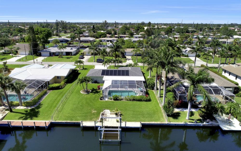 142 SW 49th Ter,  Cape Coral - Home For Sale 442988834