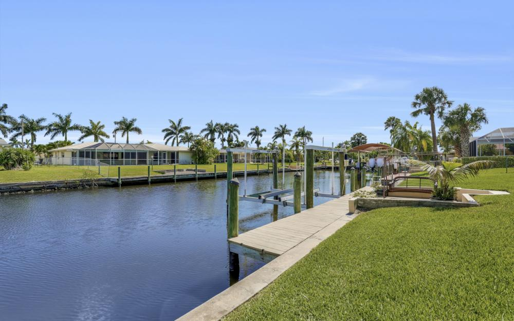 142 SW 49th Ter,  Cape Coral - Home For Sale 1173132372