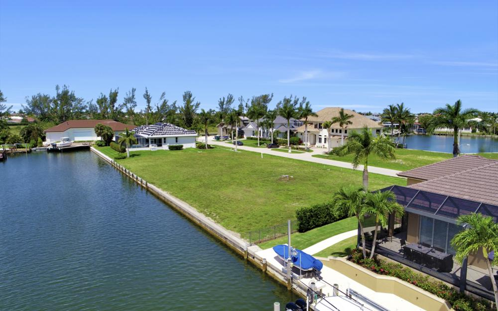 617 Crescent St Marco Island - Lot For Sale 706876407