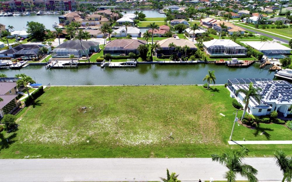 617 Crescent St Marco Island - Lot For Sale 43700029