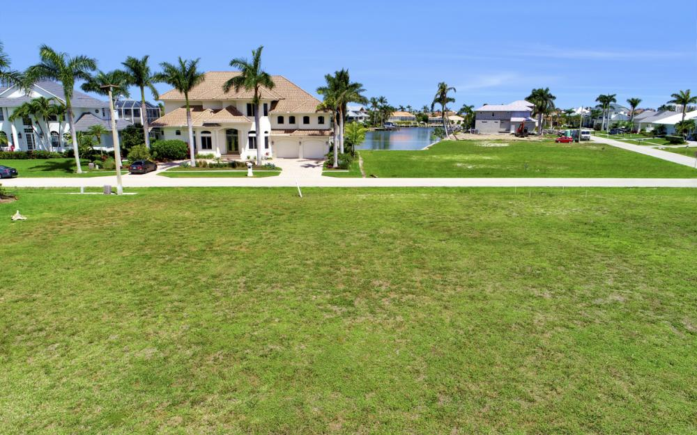 617 Crescent St Marco Island - Lot For Sale 432520213