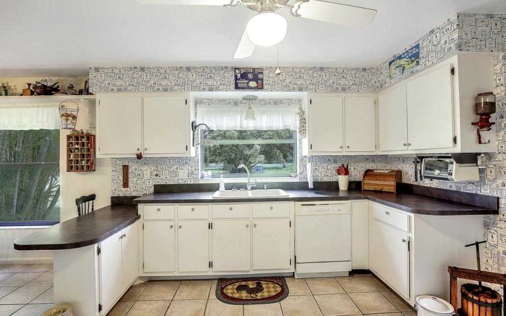 12491 Eagle Rd, Cape Coral - Home For Sale 408858431