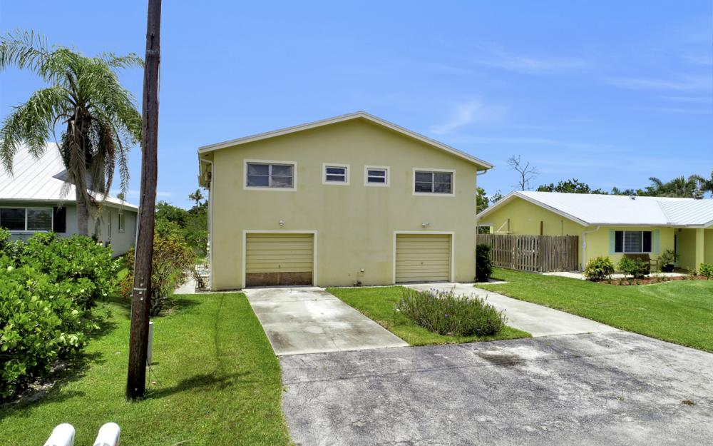 112 Tahiti St, Naples - Home For Sale 1199196416
