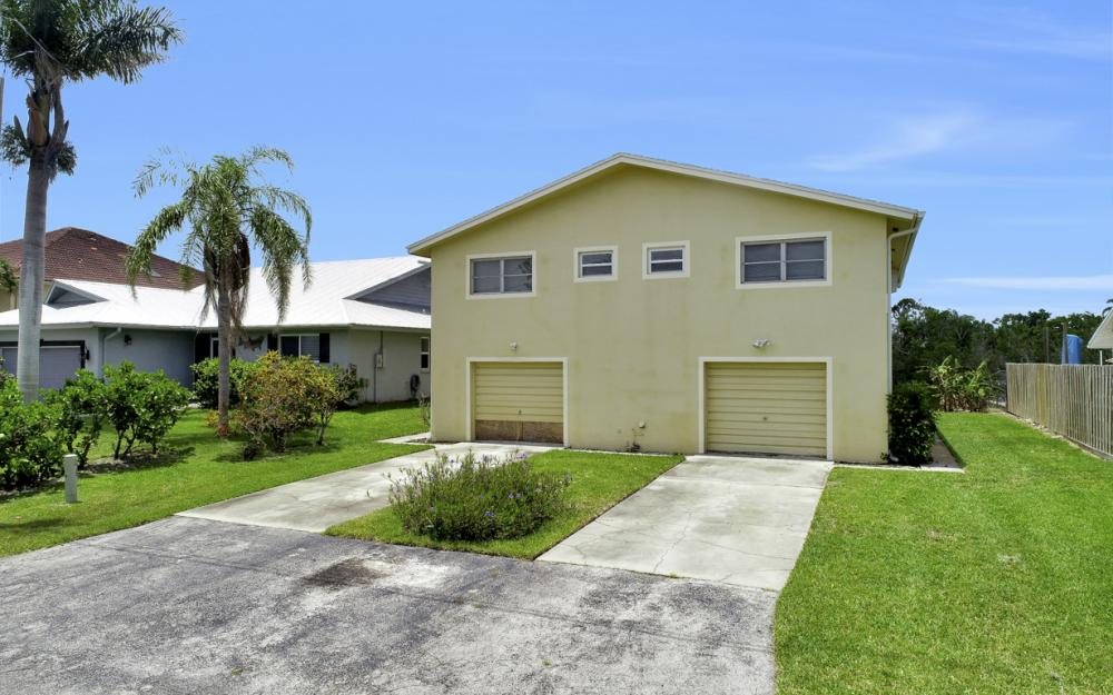 112 Tahiti St, Naples - Home For Sale 264479594