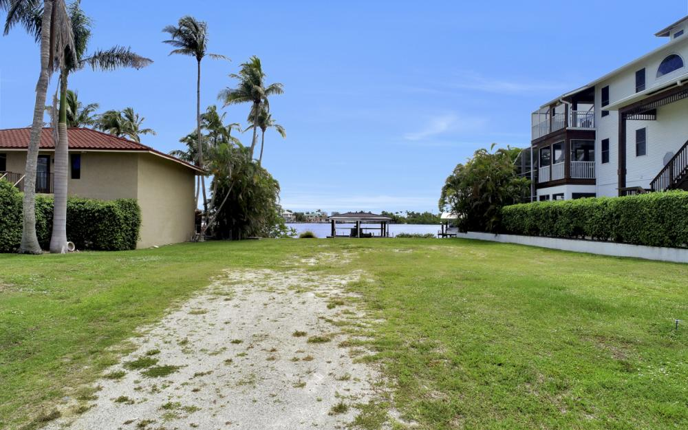 62 Dolphin Cir, Naples - Lot For Sale 303091234