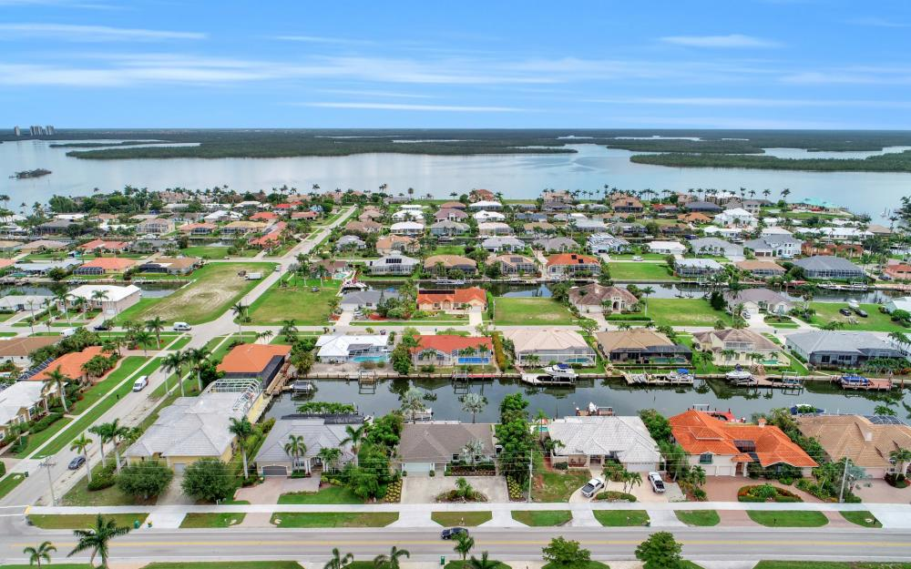289 N Barfield Dr, Marco Island - Home For Sale 817920212