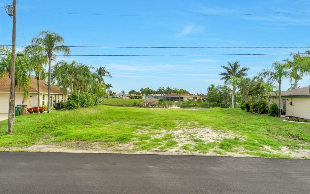 1113 SE 32nd Ter, Cape Coral - Lot For Sale 1855774303