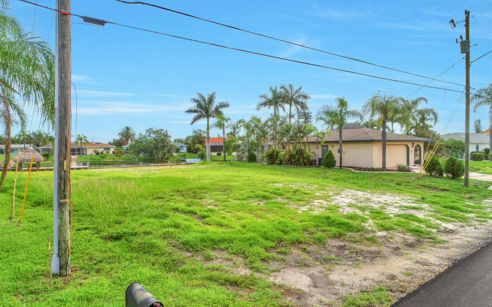 1113 SE 32nd Ter, Cape Coral - Lot For Sale 542343744