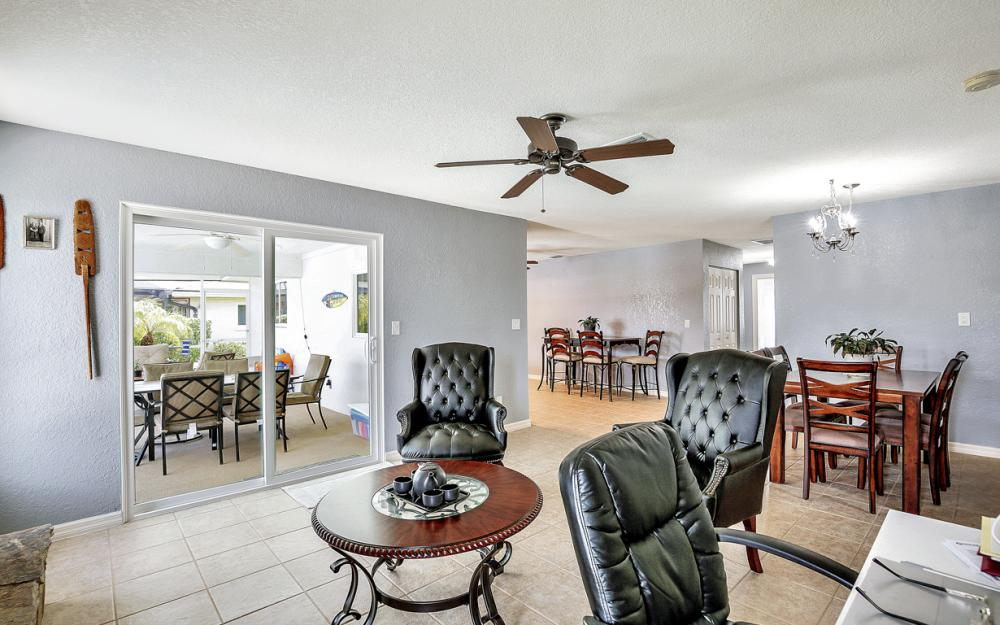 1301 SE 14th St, Cape Coral - Home For Sale 791131568
