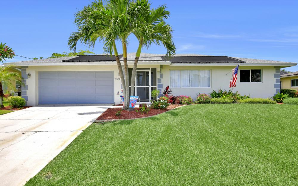 1301 SE 14th St, Cape Coral - Home For Sale 97284564