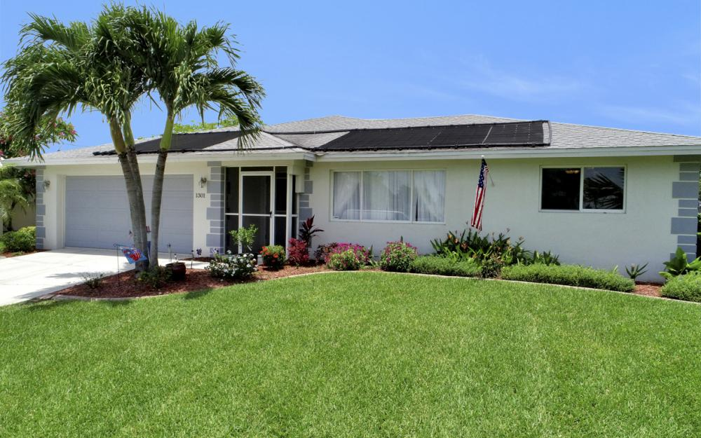 1301 SE 14th St, Cape Coral - Home For Sale 1305811316