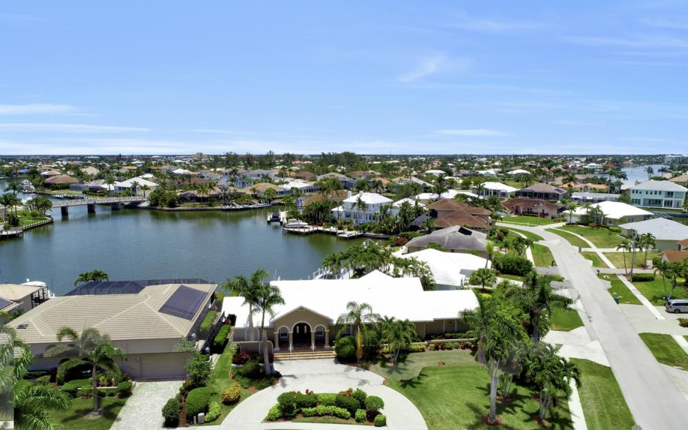601 Blackmore Ct, Marco Island - Vacation Rental 2041980859