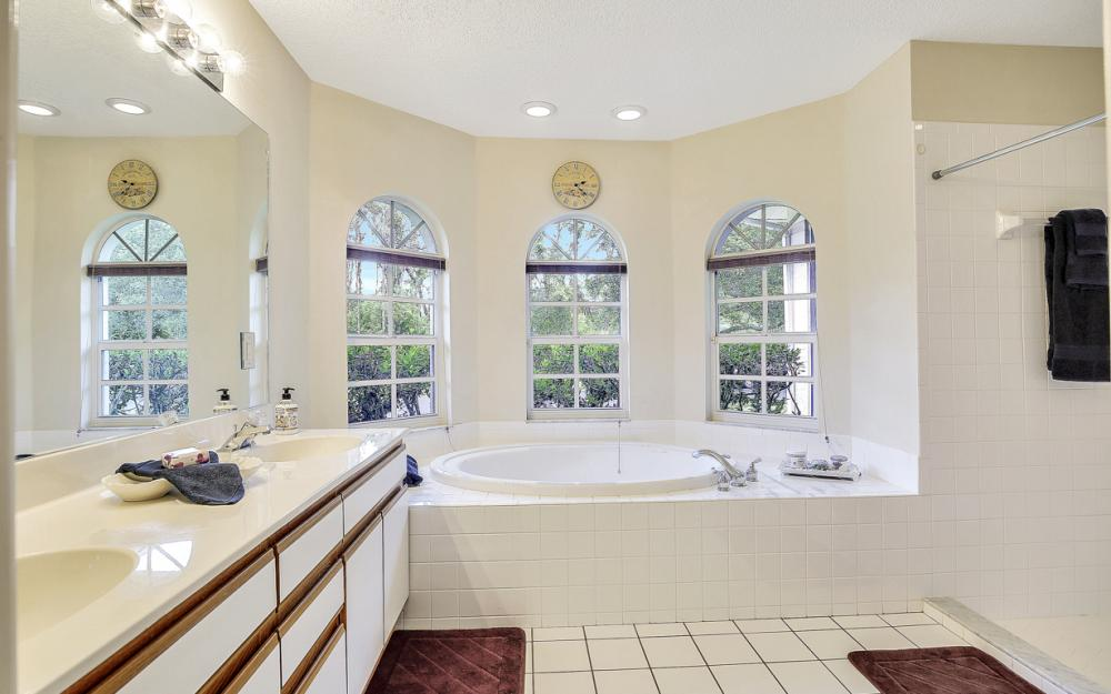 6313 Emerald Pines Cir, Fort Myers - Home For Sale 753965194