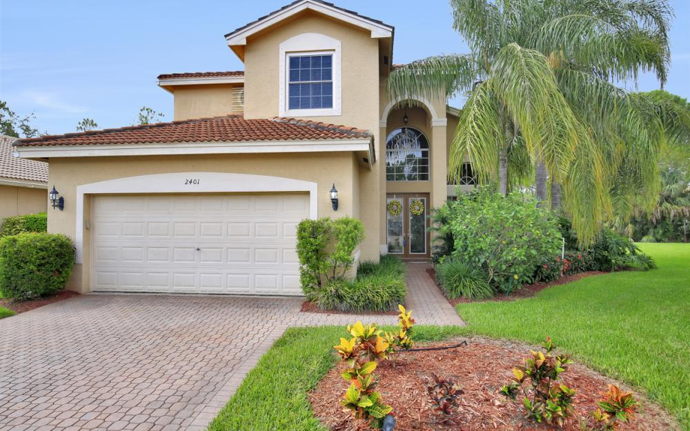 2401 Leafshine Ln, Naples - Home For Sale 1972587560