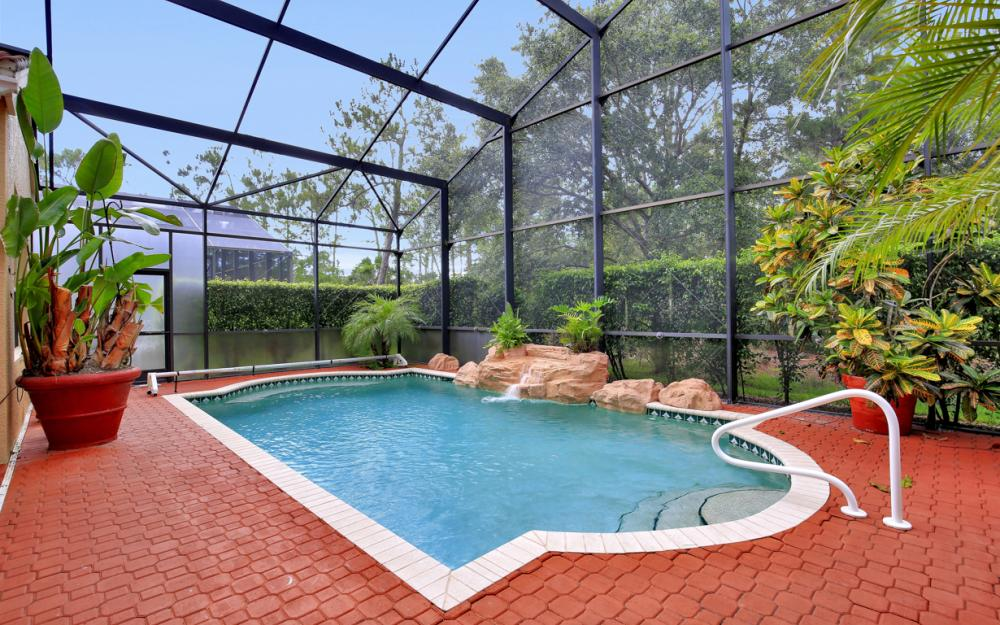 2401 Leafshine Ln, Naples - Home For Sale 276505903