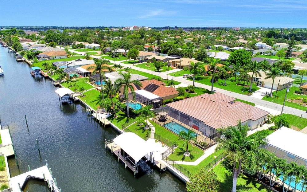 1920 SE 9th Terrace, Cape Coral - Home For Sale 2123373634