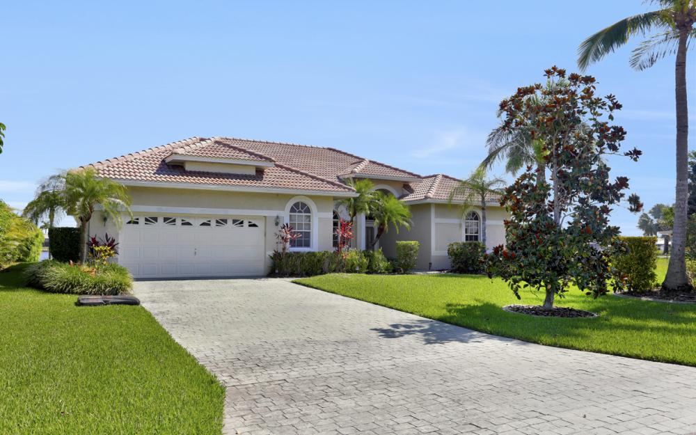 705 SW 51st Ter, Cape Coral - Home For Sale 1140369025