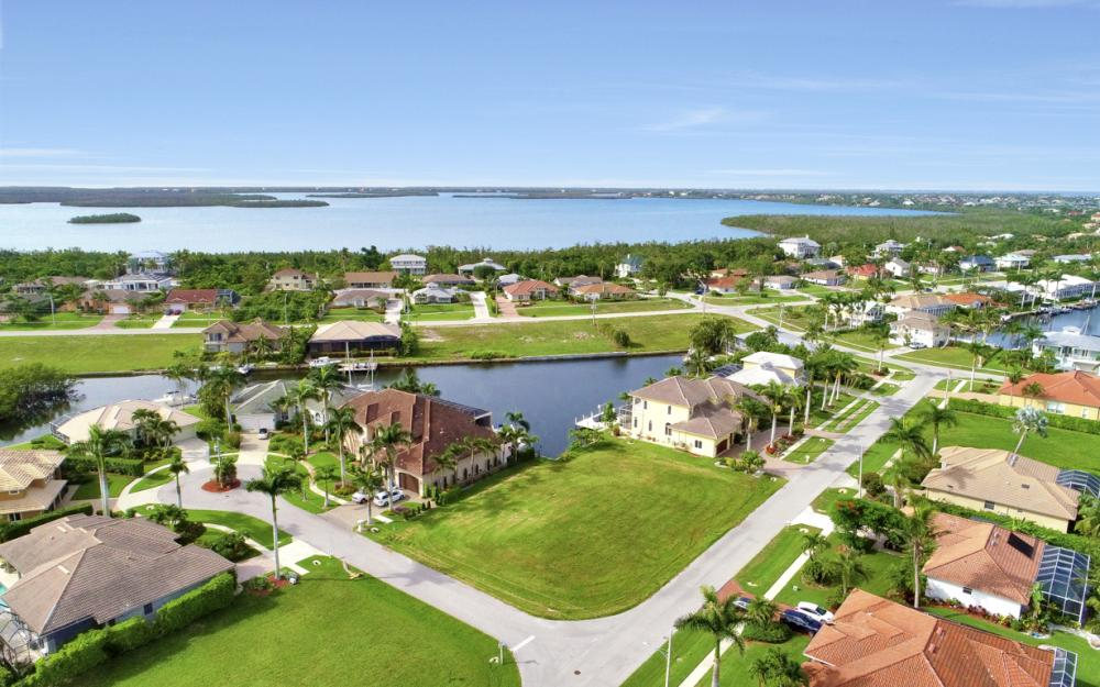6 Acorn Ct, Marco Island - Lot For Sale 1030196241