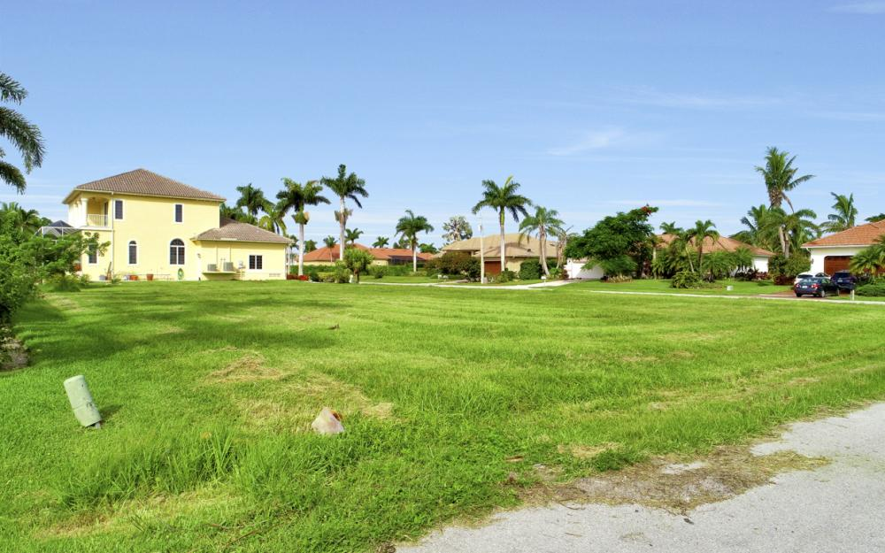 6 Acorn Ct, Marco Island - Lot For Sale 28416560