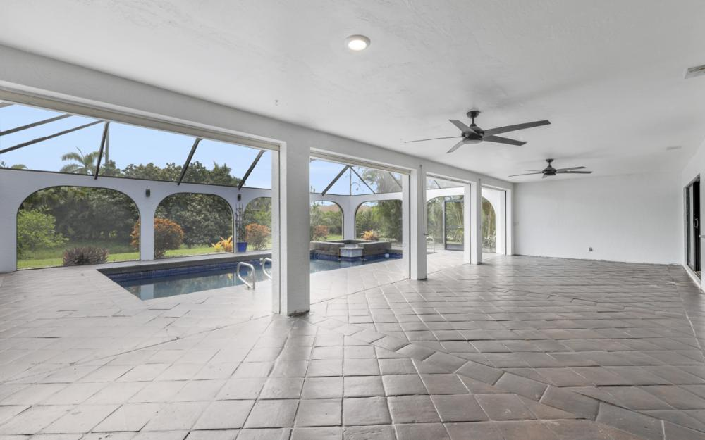 494 Cypress Way E, Naples - Home For Sale 671818440