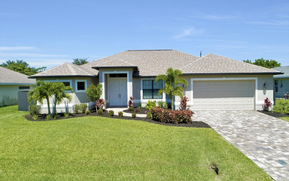 4544 SW 14th Pl Cape Coral - Home For Sale 545115090