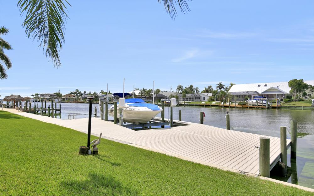 1910 SE 36th St, Cape Coral - Home For Sale 124966361