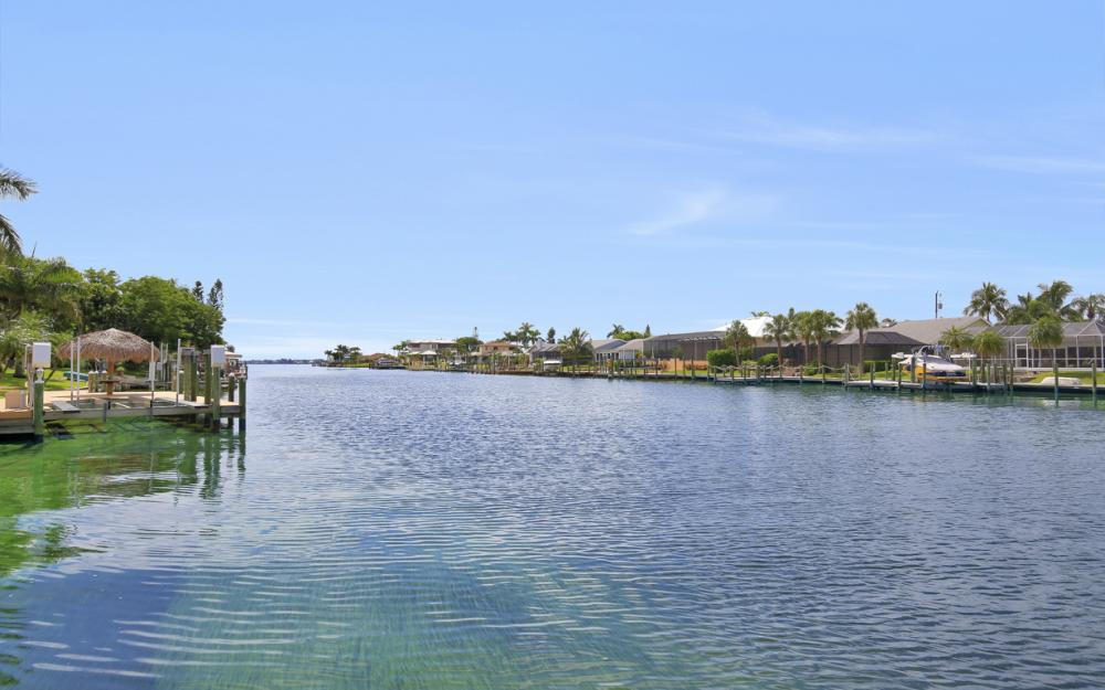 1910 SE 36th St, Cape Coral - Home For Sale 1057185708