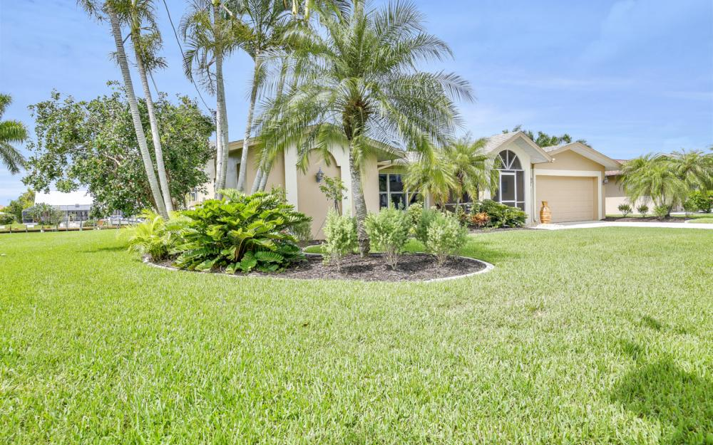 1910 SE 36th St, Cape Coral - Home For Sale 687513757
