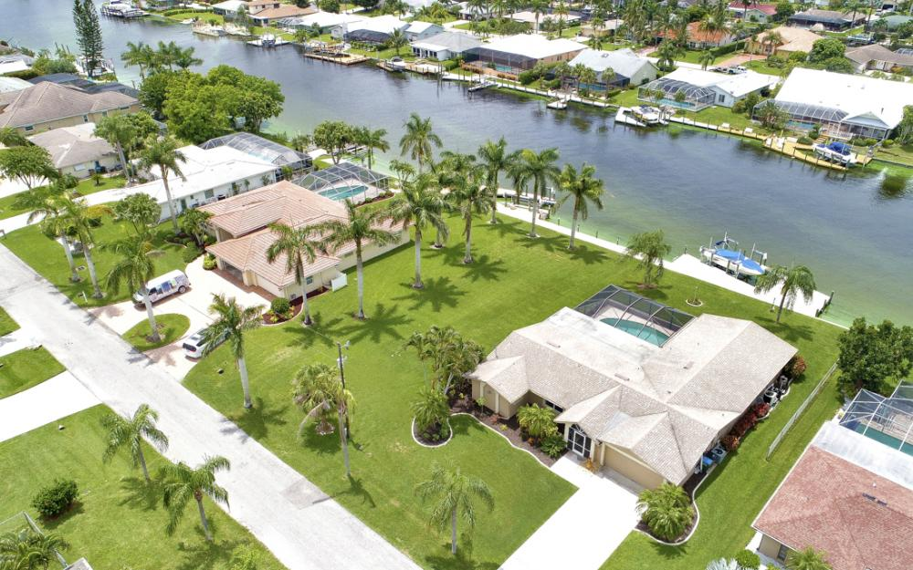 1910 SE 36th St, Cape Coral - Home For Sale 125699860