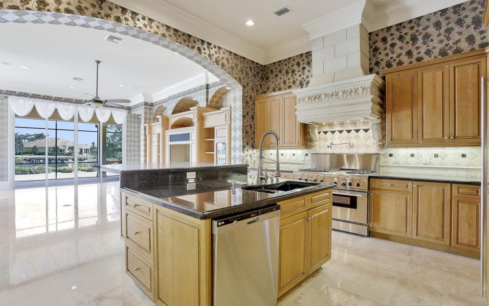 6423 Highcroft Dr, Naples - Home For Sale 889271169