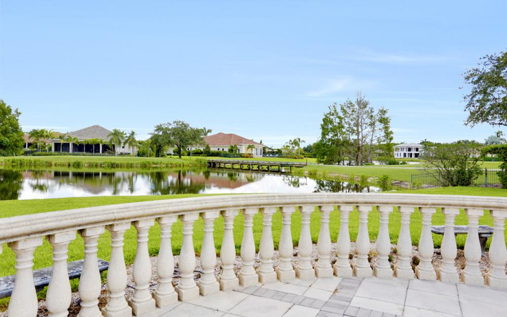 6423 Highcroft Dr, Naples - Home For Sale 803870210