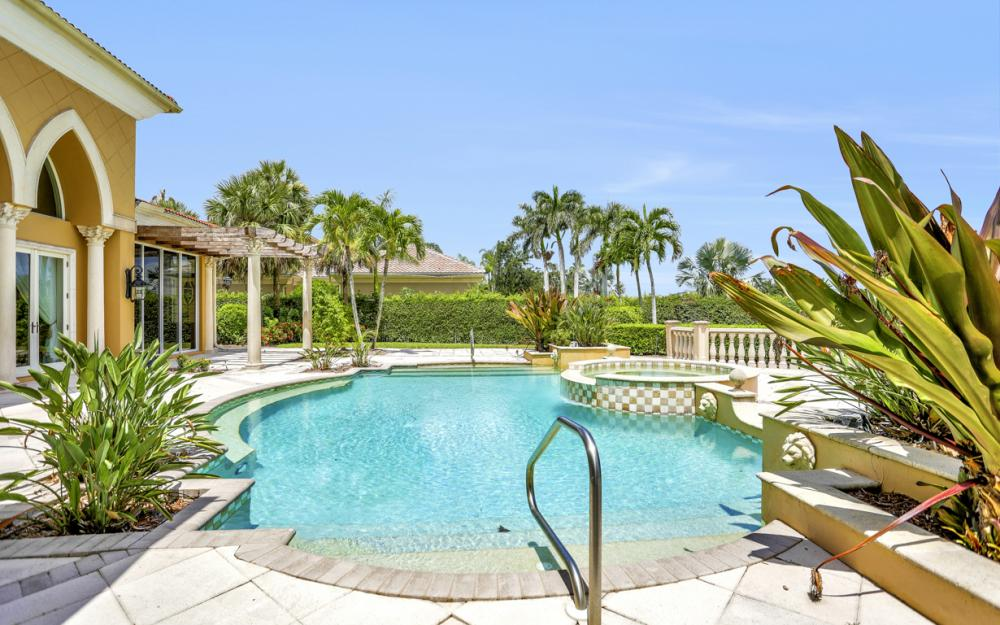 6423 Highcroft Dr, Naples - Home For Sale 1781280102