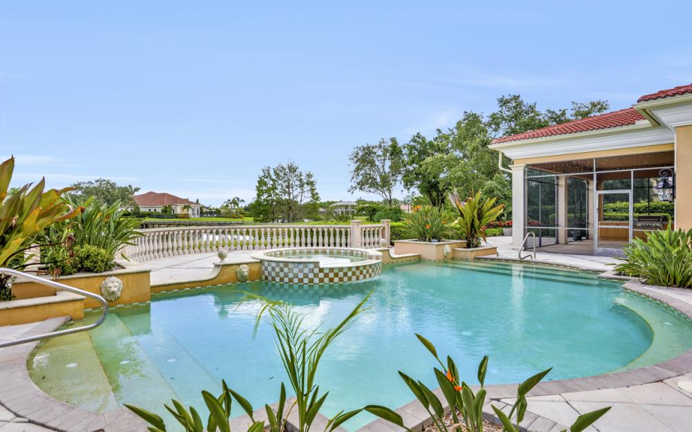 6423 Highcroft Dr, Naples - Home For Sale 1011375675