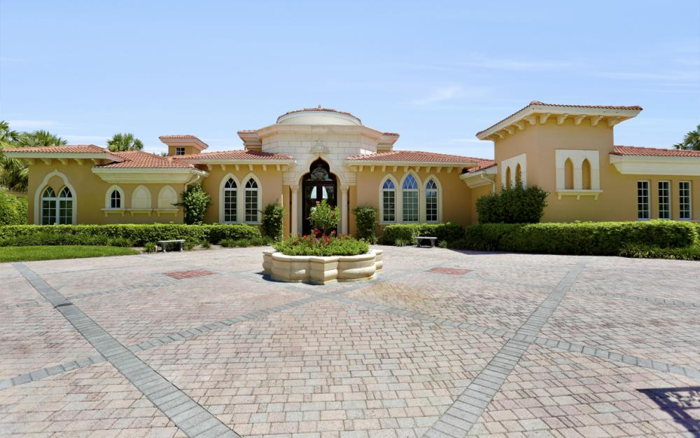 6423 Highcroft Dr, Naples - Home For Sale 1152629233